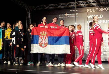 Naše cure na paradi nacija! Srpska se zastava opet viori na svetskoj sceni!